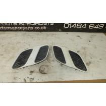 SUBARU IMPREZA WRX STI GC8 CLASSIC GC8 GF8 BONNET VENTS DARK WHITE