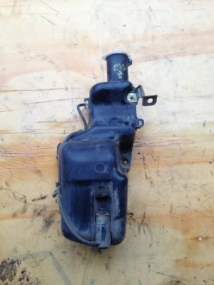 WASHER BOTTLE WITH MOTOR